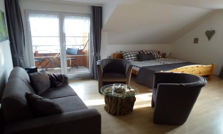 ferienwohnung haupthaus ferienhof maurer. Black Bedroom Furniture Sets. Home Design Ideas